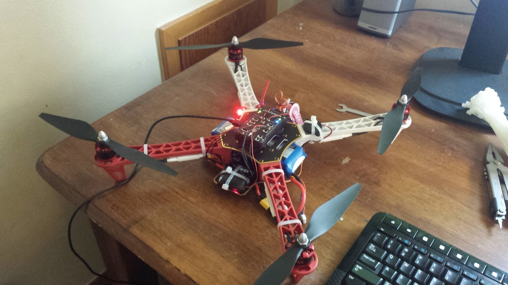 DJI Flamewheel F450 / Pixhawk / 3S LiPo -- Will not lift off