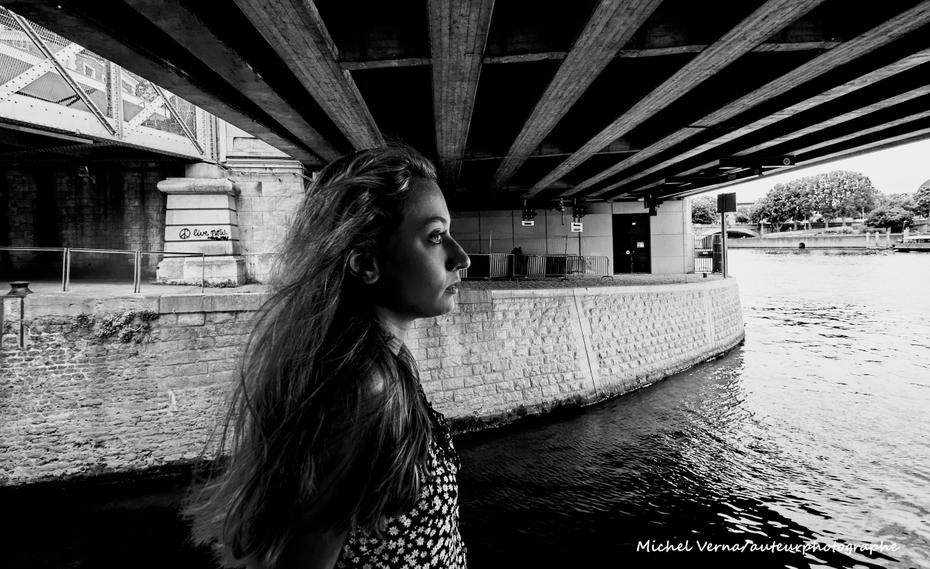 La femme au pont