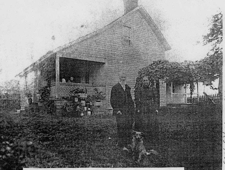 john elizabeth conkle 1913 at their home