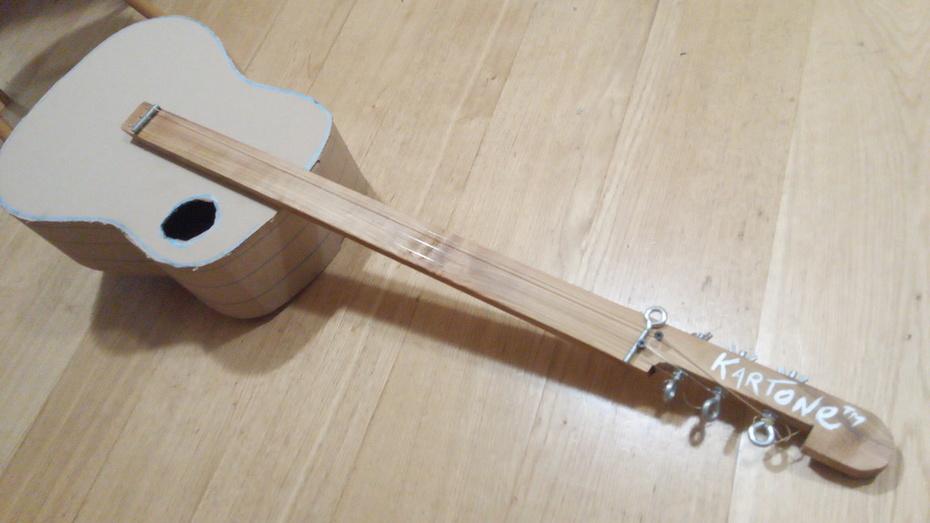 Kartone - cardboard electro acoustic