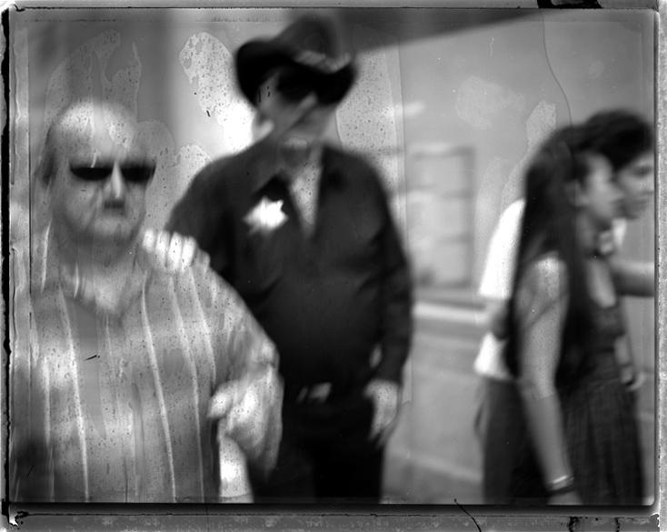 SHERIFF WALK IN THE STREET